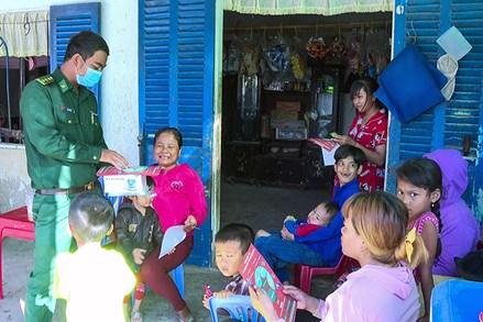 Người cán bộ Khmer gần dân, hiểu dân