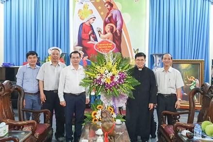 Lãnh đạo Ủy ban MTTQ tỉnh Quảng Ninh thăm, chúc mừng đồng bào Công giáo nhân dịp Lễ Phục sinh 2021