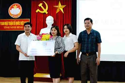 """Ninh Bình: Tiếp nhận ủng hộ Quỹ """"Đền ơn đáp nghĩa và An sinh xã hội"""" tỉnh"""