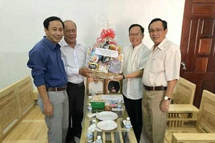 Ủy ban MTTQ Việt Nam tỉnh Bình Thuận chúc mừng Lễ Phục sinh 2021