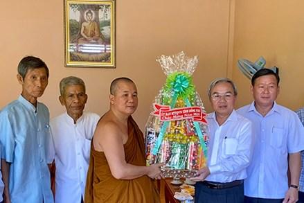 Ủy ban MTTQ Việt Nam tỉnh Đồng Nai thăm, chúc Tết cổ truyền Chol Chnam Thmay