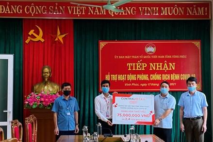Ủy ban MTTQ tỉnh Vĩnh Phúc tiếp nhận hỗ trợ phòng, chống dịch