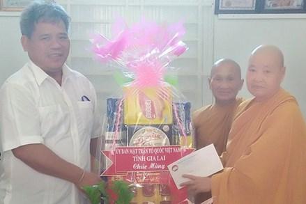 Ủy ban MTTQ tỉnh Gia Lai thăm, chúc mừng Đại lễ Phật đản năm 2021