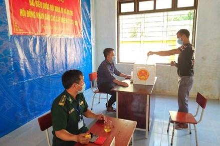 Quảng Bình: Đồng bào dân tộc ở các xã biên giới hào hứng đi bầu cử sớm