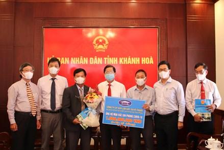 Khánh Hòa tiếp nhận gần 3,7 tỷ đồng hỗ trợ mua vắc xin phòng, chống Covid-19