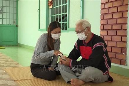 Nhân dân các dân tộc tỉnh Đắk Lắk chung sức, đồng lòng vượt qua đại dịch COVID-19