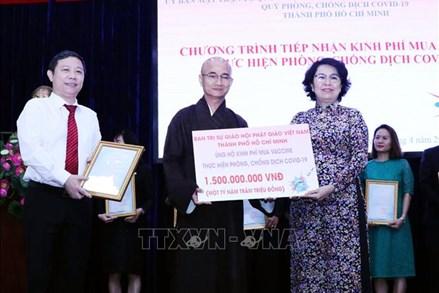 Tăng ni, phật tử TP Hồ Chí Minh hỗ trợ người dân gặp khó khăn do dịch COVID-19