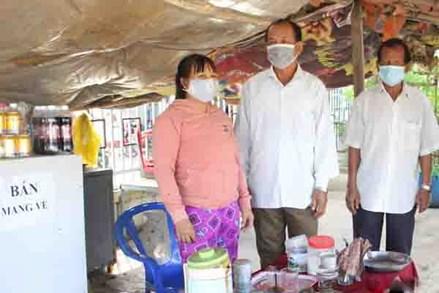Tổ giám sát cộng đồng chung tay phòng, chống dịch COVID-19