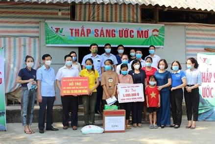 Phú Lương - Thái Nguyên: 'Thắp sáng ước mơ' cho những hộ nghèo