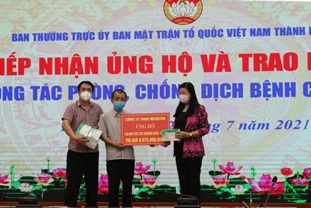 """Hà Nội tiếp nhận 100 nghìn bộ test nhanh Covid-19 """"made in Vietnam"""""""