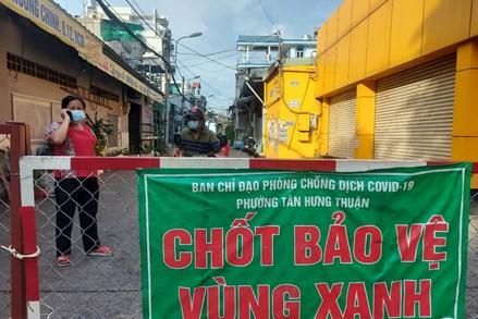 Thành phố Hồ Chí Minh: Thi đua mở rộng 'vùng xanh' trên bản đồ COVID-19