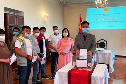 Người Việt tại Mông Cổ quyên góp ủng hộ Quỹ phòng, chống COVID-19