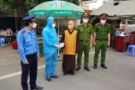Đồng bào các tôn giáo cùng tham gia phòng, chống dịch