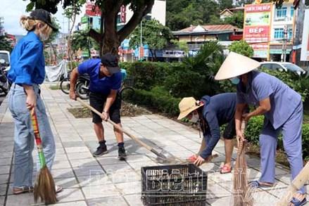 MTTQ tỉnh Điện Biên tiếp tục nhân rộng mô hình khu dân cư tự quản bảo vệ môi trường