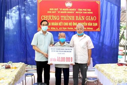 Ủy ban MTTQ tỉnh Phú Thọ hỗ trợ xây dựng nhà Đại đoàn kết