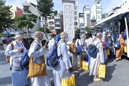 TP.Hồ Chí Minh: Tăng, Ni, Phật tử tiếp tục dấn thân lên tuyến đầu chống dịch