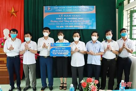 """Ủy ban MTTQ tỉnh Hà Tĩnh phát động ủng hộ chương trình """"Sóng và máy tính cho em"""""""