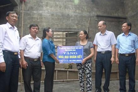 """MTTQ các cấp tỉnh Quảng Bình đạt nhiều kết quả thiết thực trong công tác ủng hộ Quỹ """"Vì Người nghèo"""" và An sinh xã hội"""