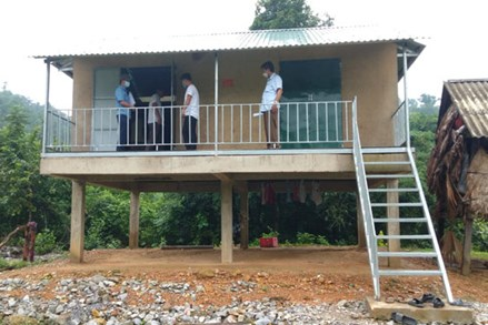 Quảng Bình: Bàn giao 25 ngôi nhà Đại đoàn kết cho đồng bào dân tộc thiểu số
