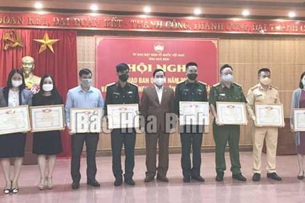 Ủy ban MTTQ tỉnh Hòa Bình giao ban công tác quý III