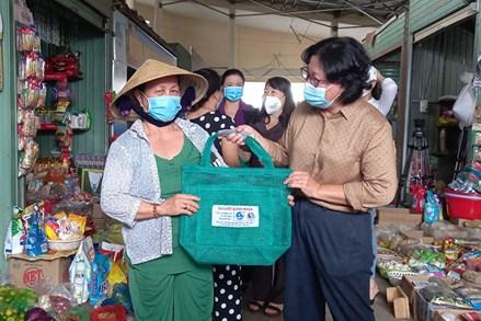 Lan tỏa ý thức bảo vệ môi trường từ chợ dân sinh