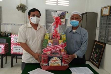 Ủy ban Mặt trận Tổ quốc Việt Nam tỉnh Tây Ninh chúc mừng lễ Maulid của người Hồi giáo