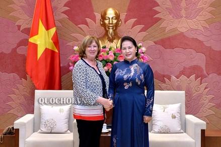 Chủ tịch Quốc hội tiếp Chủ tịch Nhóm nghị sĩ hữu nghị Pháp - Việt Nam