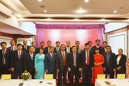 Khai giảng Khóa đào tạo, bồi dưỡng ngắn hạn cho cán bộ Mặt trận Lào