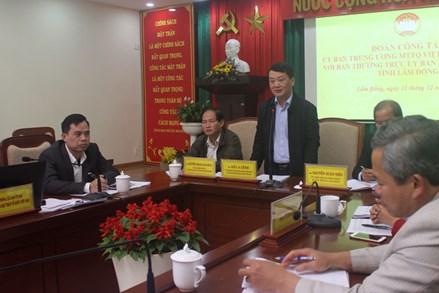 Phó Chủ tịch - Tổng Thư ký Hầu A Lềnh làm việc tại Lâm Đồng