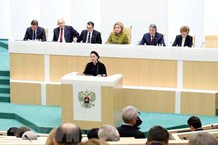 Chủ tịch Quốc hội dự và phát biểu tại Phiên họp toàn thể Hội đồng Liên bang Nga