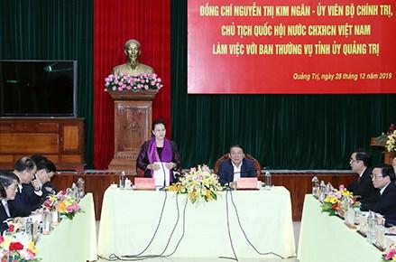 Chủ tịch Quốc hội Nguyễn Thị Kim Ngân làm việc với Ban Thường vụ Tỉnh ủy Quảng Trị