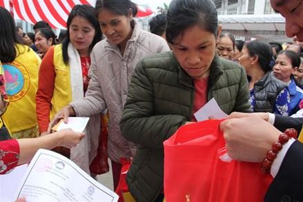 Trên 14,4 tỷ đồng tặng quà Tết cho người nghèo trên địa bàn thành phố