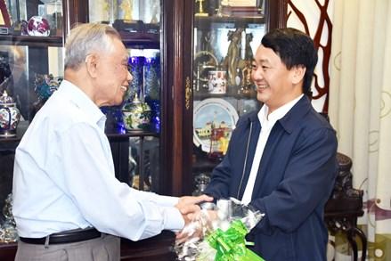 Phó Chủ tịch - Tổng Thư ký Hầu A Lềnh chúc Tết nguyên lãnh đạo Nhà nước, MTTQ Việt Nam