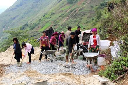 Hà Giang: Xã biên giới đầu tiên hoàn thành tiêu chí nâng cao về xây dựng nhà ở
