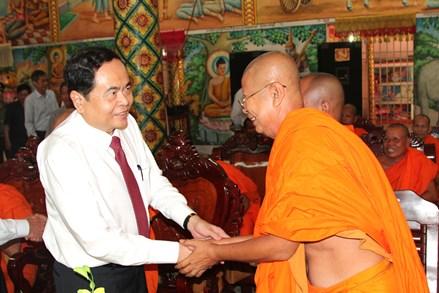 Chủ tịch UBTƯ MTTQ Việt Nam gửi thư chúc mừng Tết cổ truyền Chôl Chnăm Thmây