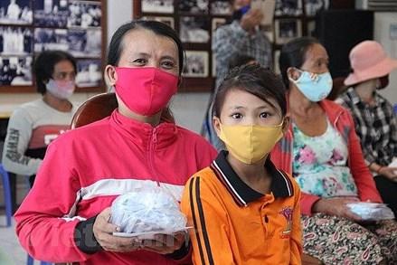 Hỗ trợ khẩn cấp người Campuchia gốc Việt gặp khó do dịch Covid-19