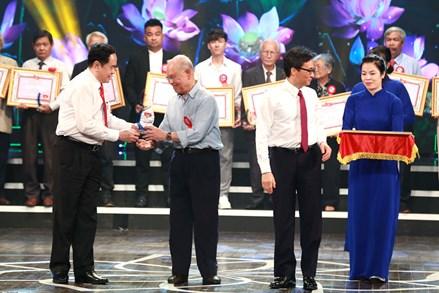 """Vinh danh 228 tác phẩm """"Học tập và làm theo tư tưởng, đạo đức, phong cách Hồ Chí Minh"""""""