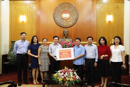 Nêu cao những nghĩa cử cao đẹp của lưu học sinh Việt Nam