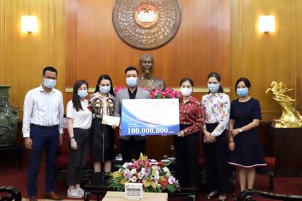 Ca sĩ Tuấn Hưng ủng hộ 100 triệu đồng phòng, chống dịch Covid-19