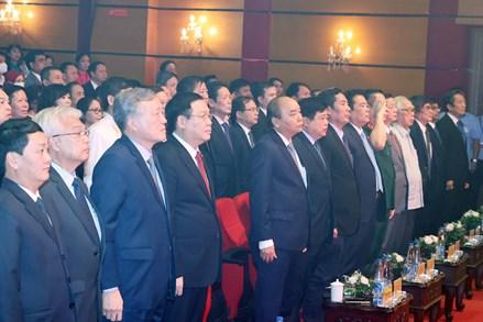 """Thủ tướng: """"Tiếng nói Việt Nam"""" – cần làm tốt hơn nữa vai trò kết nối trái tim người Việt"""