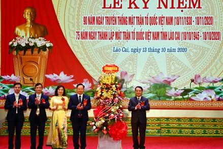 Cùng đoàn kết xây dựng Lào Cai ngày càng giàu đẹp