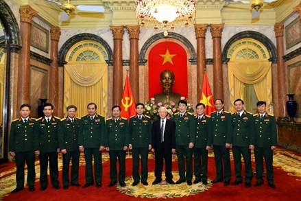 Tổng Bí thư, Chủ tịch nước Nguyễn Phú Trọng trao quyết định thăng quân hàm 2 Thượng tướngTổng Bí thư, Chủ tịch nước Nguyễn Phú Trọng trao quyết định thăng quân hàm 2 Thượng tướng