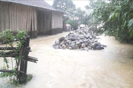 Lũ chồng lũ, hơn 34.000 nhà dân tại Quảng Bình ngập lụt