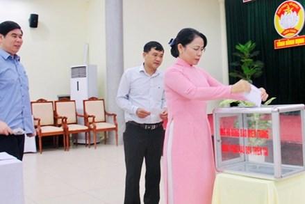Bình Định: Nhiều đơn vị, cá nhân ủng hộ các tỉnh miền Trung