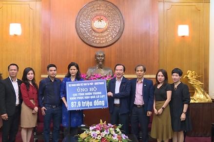 Hội doanh nhân Việt Nam tại Pháp ủng hộ đồng bào Miền trung