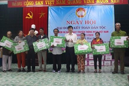 Bí thư Tỉnh ủy Quảng Trị tham dự Ngày hội Đại đoàn kết tại xã Hải Dương