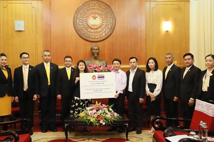 30.000 USD từ Chính phủ Hoàng gia Thái Lan hỗ trợ người dân miền Trung vượt qua khó khăn