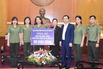 Trên 318 tỷ đồng ủng hộ và đăng ký ủng hộ bà con các tỉnh miền Trung, Tây Nguyên