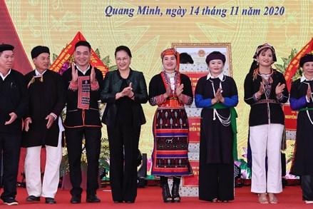 Chủ tịch Quốc hội Nguyễn Thị Kim Ngân dự Ngày hội đại đoàn kết toàn dân tại xã Quang Minh, tỉnh Yên Bái