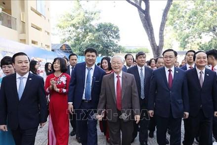 Tổng Bí thư, Chủ tịch nước Nguyễn Phú Trọng dự Lễ kỷ niệm 70 năm thành lập Trường THPT Nguyễn Gia Thiều